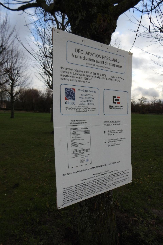 Bonjour<br /> Qui de la Mairie peut me donner des explications sur le nouveau panneau mis au Lac  - Merci